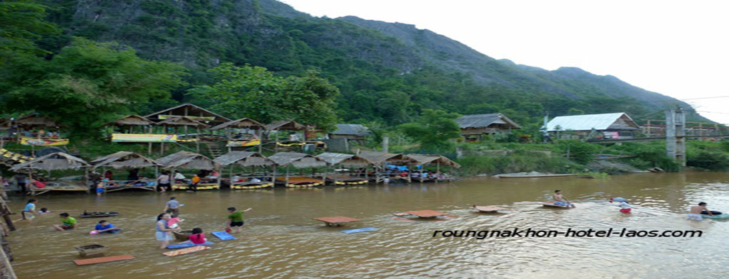 Roungnakhon hotel in vang vieng laos for Domon river guesthouse vang vieng